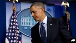 1일 예산 자동삭감 관련한 의회 지도부와의 회담후 기자회견장을 떠나는 바락 오바마 미국 대통령.