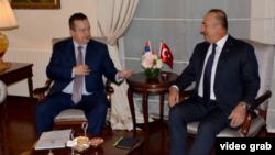 Ministri inostranih poslova Srbije i Tuske, Ivica Dačić i Mevlut Čavušoglu, tokom sastanka u turskom letovalištvu Belek u Turskoj, 19. avgusta 2018.