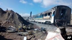 伊朗媒体公布的火车相撞现场照片(2016年11月25日)