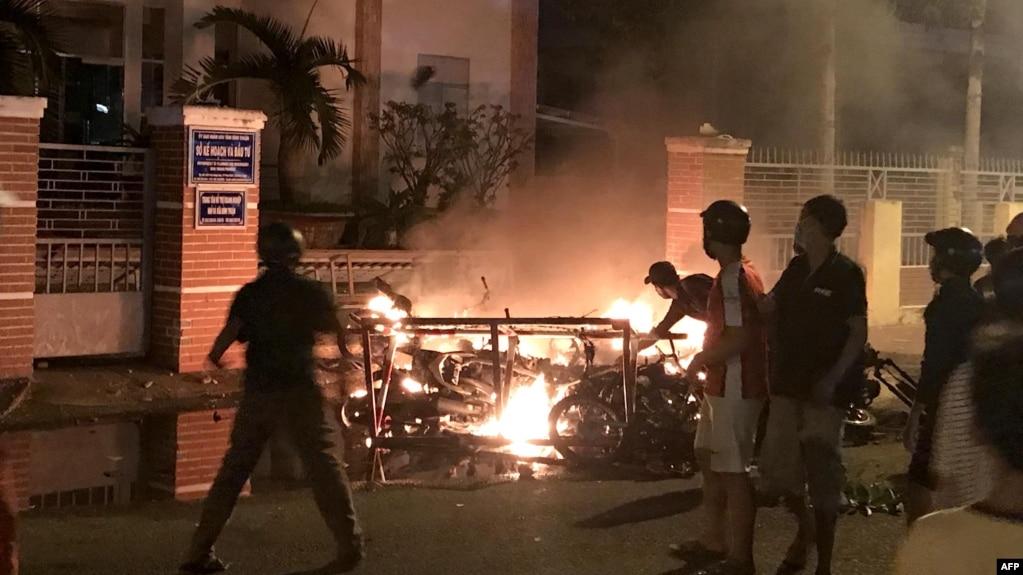 Kết quả hình ảnh cho biểu tình bình thuận