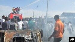 Une voiture a explosé près du marché central, à Maiduguri, au Nigéria, juillet 2014.
