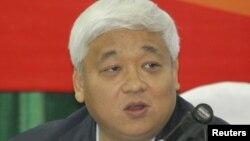 Ông Nguyễn Đức Kiên, 58 tuổi, nguyên phó Chủ tịch Hội đồng sáng lập Ngân hàng Thương mại Cổ phần Á Châu (ACB) đã bị khởi tố và bắt giam hôm 20 tháng 8, 2012 về tội 'kinh doanh trái phép' theo điều 159 - Bộ Luật hình sự.