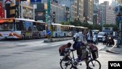 VOA连线(许湘筠):台湾美商会调查显示2019年外商对台经济前景信心下滑