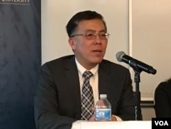 美国绮色佳大学文理学院院长、政治学教授王维正(美国之音钟辰芳拍摄)