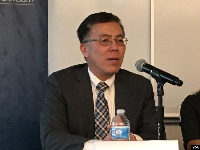 美國綺色佳大學文理學院院長、政治學教授王維正(美國之音鐘辰芳拍攝)