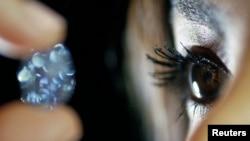 الماسی ده قیراطی که پیشتر در حراجی سادبیز در هنگ کنگ به فروش گذاشته شد.
