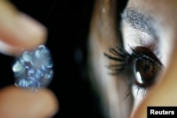 The diamond will be sold at Sotheby's Magnificent Jewels and Jadeite auction in Hong Kong on April 5.