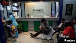 Kantor Pegadian di Jakarta. PT Pegadaian telah menyediakan 120 mobil keliling untuk menjangkau usaha mikro dan kecil di berbagai daerah. (Foto: Dok)