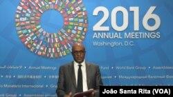 Adebe Selassie, na conferência de imprensa do FMI