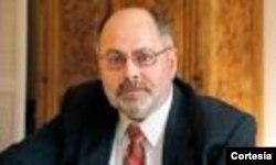 Prof. Carlos Indacochea