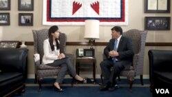 마이크 라운즈 미국 연방 상원의원이 6일 VOA 김카니 기자와 인터뷰했다.