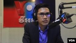 Mantan wartawan Radio Free Asia (RFA), Yeang Sothearin saat diwawancara oleh VOA di Washington DC. (Foto: dok)