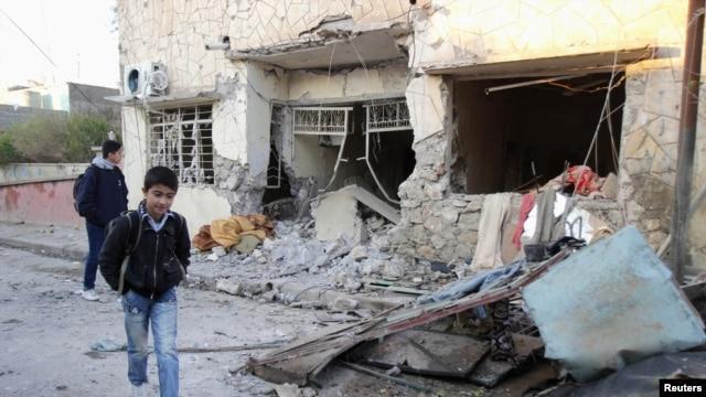 Một căn nhà bị đổ nát sau vụ tấn công bằng bom ở Kirkuk