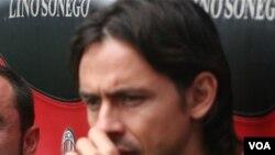 Filippo Inzaghi harus absen dan kemungkinan tidak akan bermain selama sisa musim ini karena harus menjalani operasi untuk memulihkan ligamen lutut kirinya.
