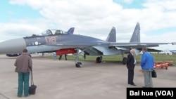 去年8月莫斯科國際航展上的蘇-35戰機。 (美國之音白樺拍攝)