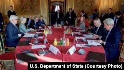 نشست وزیران خارجه آمریکا و اروپایی در پاریس برای پیشبرد روند صلح در سوریه