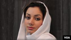 بهروزیان لسانس در رشتۀ کمپیوتر ساینس نیز دارد