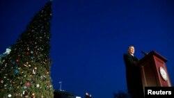 John Boehner, líder de la mayoría republicana en la Cámara de Representantes, aprovechó para recordar que la Navidad es una época de armonía.