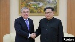 토마스 바흐 국제올림픽위원회(IOC) 위원장이 지난달 31일 평양에서 김정은 북한 국무위원장과 면담했다.