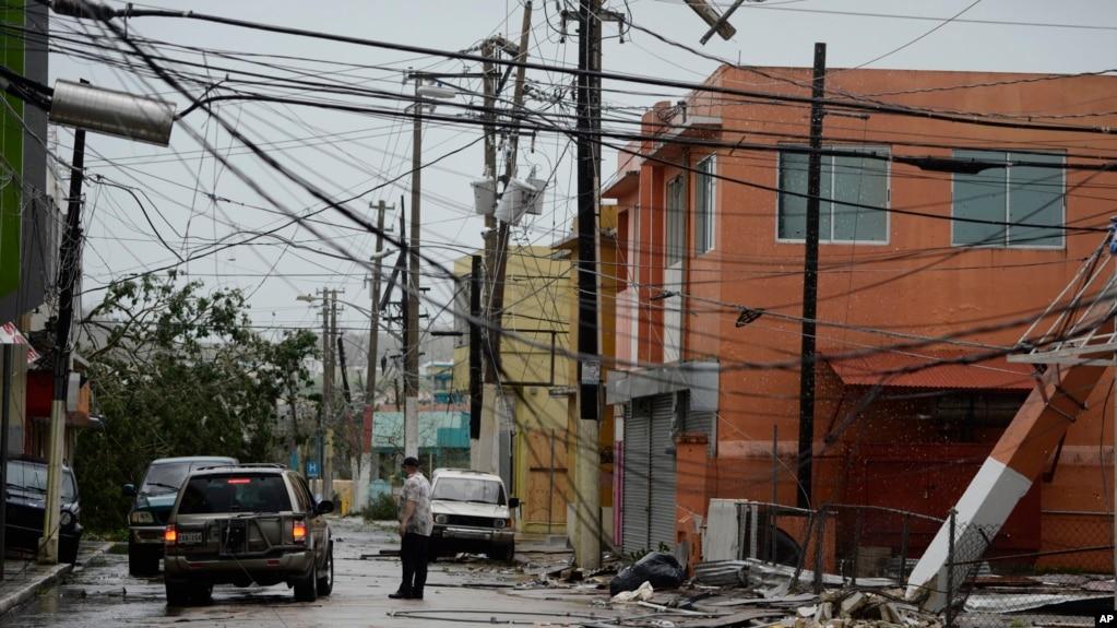 Resultado de imagen para Población de puerto rico sin agua, energía eléctrica y dinero