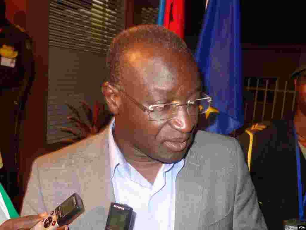 Guiné-Bissau, Campanha Eleitoral 2014, candidato Hélder Vaz às eleições de 13 de Abril