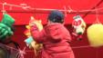 北京人逛庙会庆猴年
