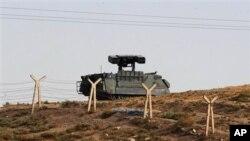 Thổ Nhĩ Kỳ điều động thêm nhiều xe tăng đến biên giới Syria, 5/10/2012