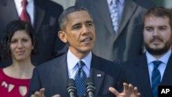 Presiden Barack Obama membahas status situs HealthCare.Gov dalam pidato di Rose Garden, Gedung Putih hari Senin (21/10).