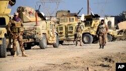 Pasukan Irak siaga di Ramadi utara pada hari Senin (21/12), dalam upaya merebut kembali kota ini dari militan ISIS.