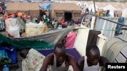 지난 10일 남수단 주바의 유엔 시설에서 폭력 사태를 피해 모여든 난민들이 기거하고 있다.