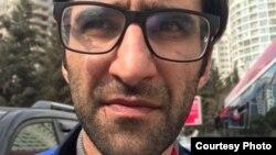 jurnalist Ramin Deko