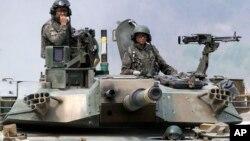Tentara Korea Selatan melakukan latihan militer di Pocheon, Korea Selatan (foto: dok).
