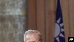 美国前国防部长拉姆斯菲尔德10月11日在台北发表演讲