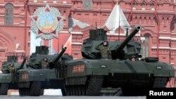 Rusia ha insistido que ha reforzado sus fuerzas en la frontera en reacción a una amenaza creciente de la OTAN.