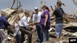 Barak Obama tornadonun viran qoyduğu şəhər sakinlərini alqışladı