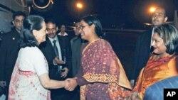 ঢাকায় সোনিয়া গান্ধীর অটিজম সম্মেলনে যোগদান