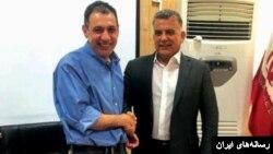 ساعتی قبل از آزادی «زکا»، «عباس ابراهیم» مقام لبنانی که به تهران سفر کرده، این عکس را با او منتشر کرد.