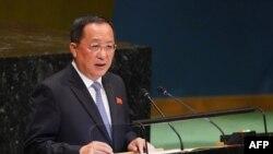 Ngoại trưởng Triều Tiên Ri Yong Ho tại Đại hội đồng Liên hợp quốc ở New York tháng 9 vừa qua. Ông Ri sẽ tới Hà Nội để tìm hiểu mô hình phát triển kinh tế mà Việt Nam áp dụng từ năm 1986.