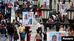 Propaganda en una calle de Caracas.
