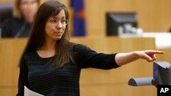 Arias dijo que si es condenada a la pena de muerte, se le estaría haciendo daño únicamente a su familia.