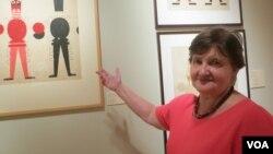 Мария Шуст в одном из залов музея. Photo: Oleg Sulkin