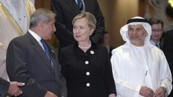 تعهد کمک يک ميليارد دلاری قدرتهای جهانی به اپوزیسیون ليبی