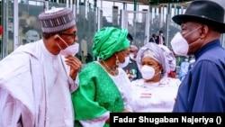 Shugaba Muhammadu Buhari da Aisha Buhari da kuma Goodluck Jonathan.