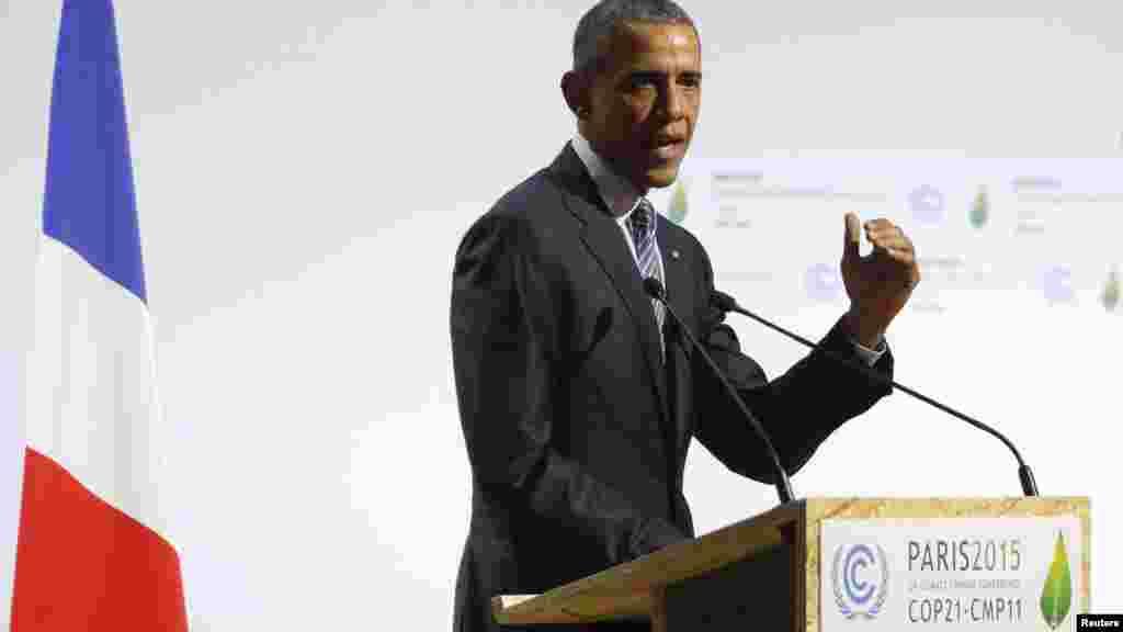 Le président américain Barack Obama prononce un discours à l'ouverture de la (COP21 au Bourget, près de Paris, France, 30 novembre, 2015.