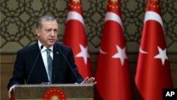 Tổng thống Thổ Nhĩ Kỳ Recep Tayyip Erdogan nói sẽ có những hậu quả nghiêm trọng nếu Đức công nhận vụ thảm sát người Armenia là một vụ diệt chủng.