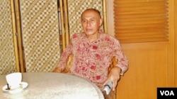 Mantan Kepala Staf Kostrad Mayjen TNI (Purn) Kivlan Zen memastikan dirinya siap diperiksa Kejaksaan Agung terkait nasib dari 13 orang aktivis yang hingga kini masih hilang sejak 1997 (foto: VOA/Andylala)