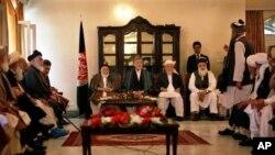 প্রেসিডেন্ট হামিদ কারযাই আফগানিস্তানে শান্তি পরিষদ উদ্বোধন করেছেন