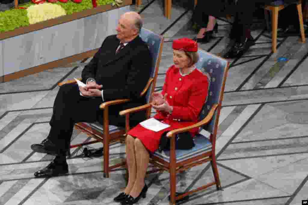 挪威国王哈拉尔五世和王后索妮娅