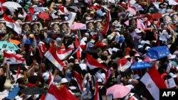 Des partisans des Frères Musulmans et du président déchu Mohammed Morsi au Caire le 12 juillet 2013 (AFP Photo/Marwan Naamani)