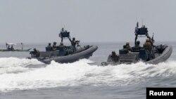 Hải quân Mỹ và Philippines trong cuộc tập trận hàng năm tại căn cứ quân sự Sangley Point trong thành phố Cavite, phía tây Manila, ngày 28/6/2014.
